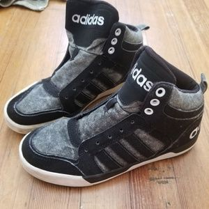 Adidas sneakers boys size 4.5